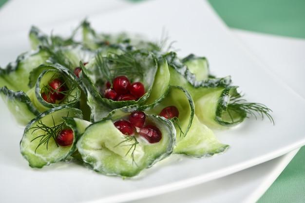 Komkommer en granaatappelsalade