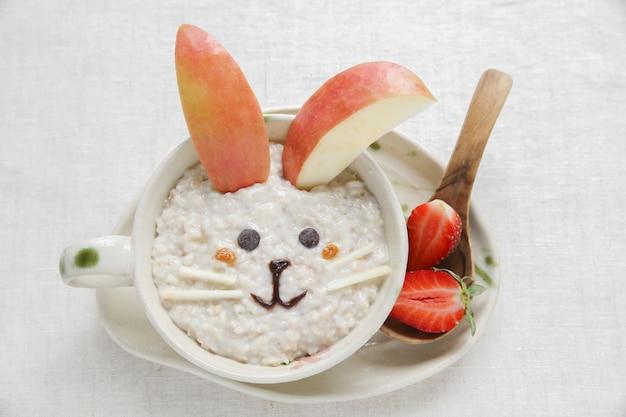 Konijn havermout havermout ontbijt, voedsel kunst voor kinderen