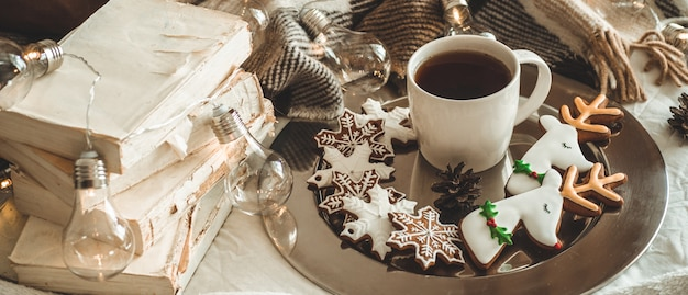 Kop thee en kerstkoekjes