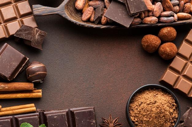 Kopieer de ruimte omringd door chocolade
