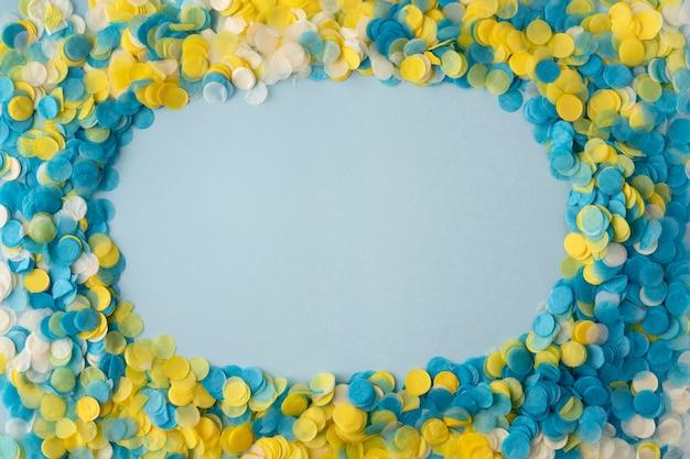 Kopieer ruimte achtergrond en confetti