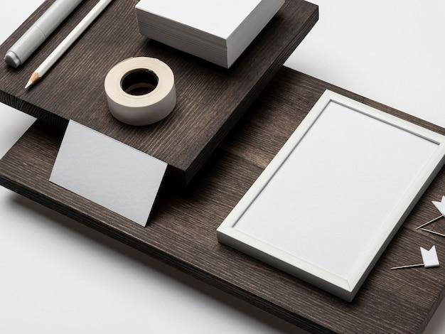 Kopieer ruimte blanco witboeken en frame