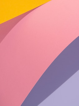 Kopieer ruimtekleuren van abstracte papiervormen met schaduw