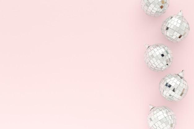 Kopieerruimte zilveren bollen set