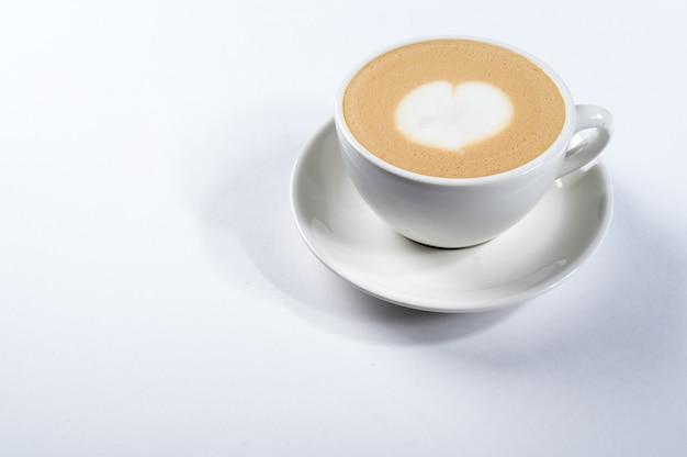 Kopje koffie met een schuim. latte art
