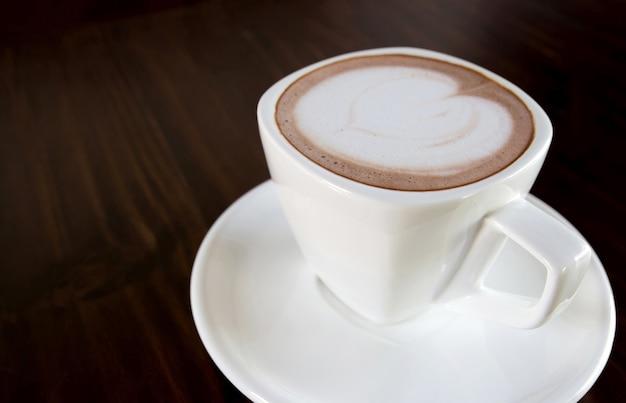 Kopje koffie op tafel