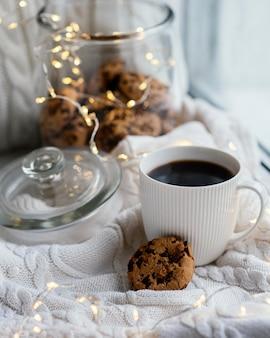 Kopje thee en koekjes