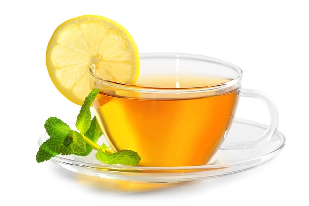 Kopje thee geïsoleerd op wit