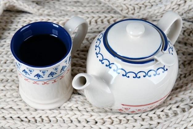 Kopje thee op tafel close-up