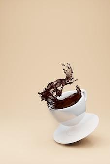 Kopje voor koffie, koffie splash. 3d-weergave