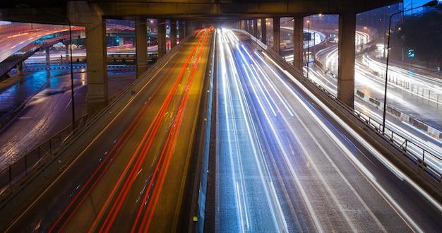 Koplampen van lichte auto's