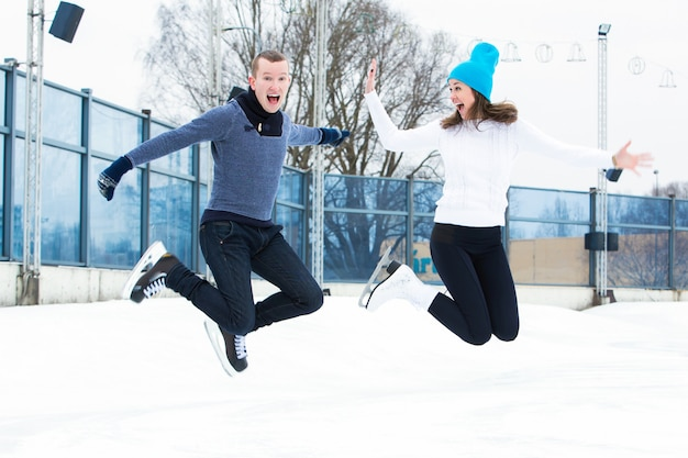 Koppel op de ijsbaan