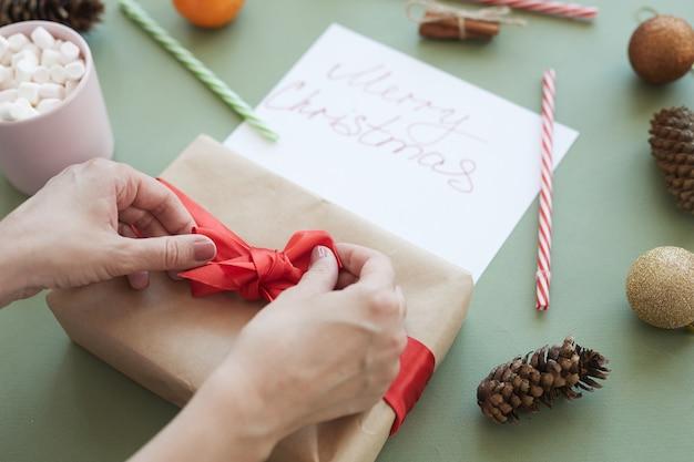 Koppelverkoop strik op geschenkdoos