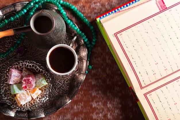 Koran, thee en turks fruit