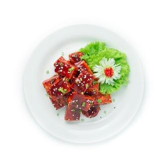 Koreaanse gebakken tofu gefrituurd gemengd in kochujungsaus