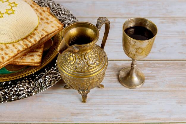 Kosher glazen wijn vakantie matzoth viering matzoh joods pesachbrood