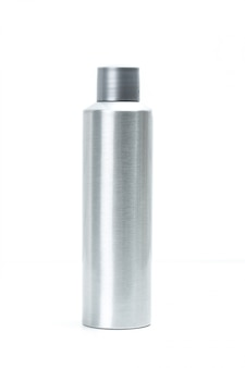 Kosmetische die containers op wit worden geïsoleerd