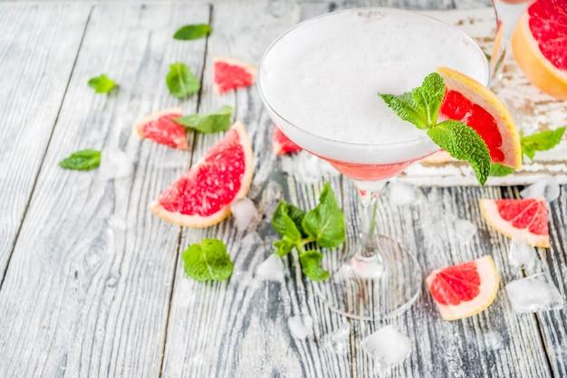 Koude citrus martini-cocktail. aperol spritz