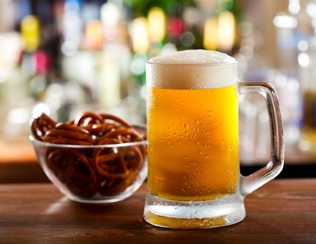 Koude mok bier