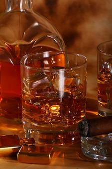 Koude whisky en sigaar