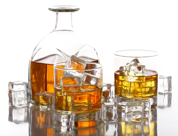 Koude whisky met ijs