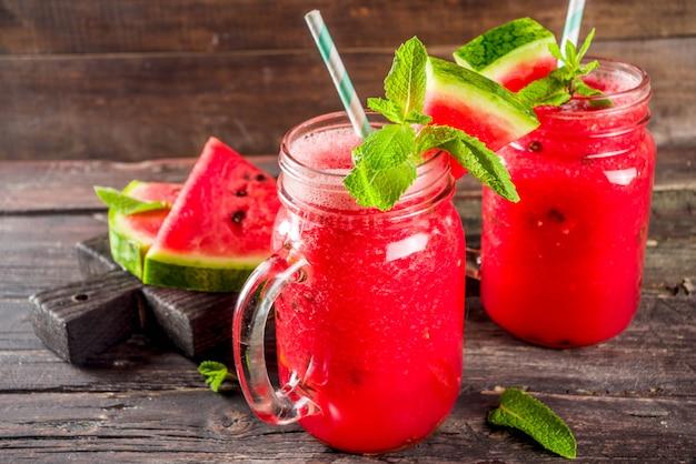 Koude zomer watermeloen smoothie