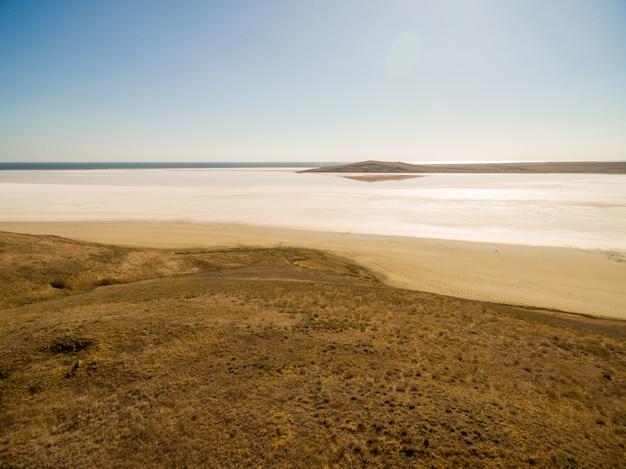 Koyashskoe roze zoutmeer in de krim Gratis Foto