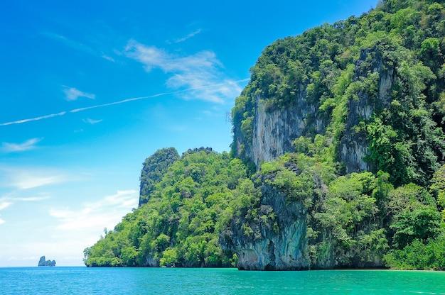 Krabi is een zuidelijke provincie aan de andaman-kust van thailand