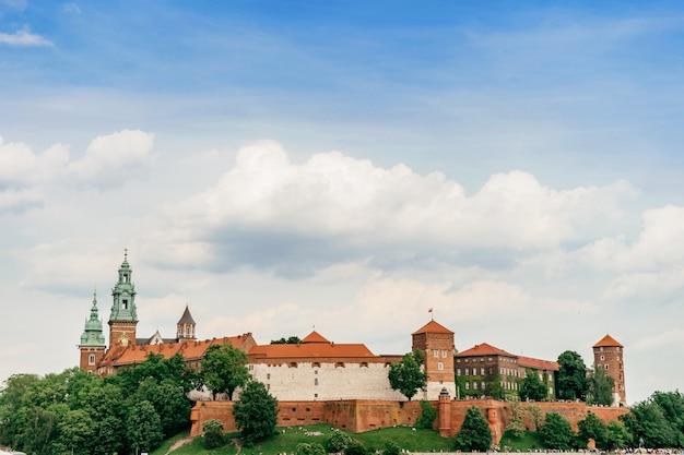 Krakau, polen - wawel-kasteel in de zomer