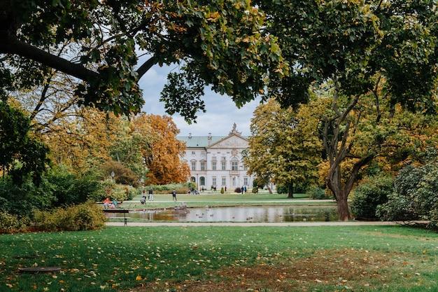 Krasinski palace ook wel bekend als het paleis van het gemenebest