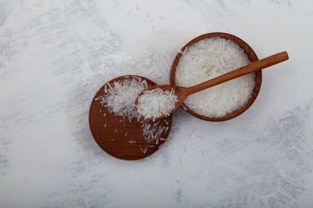 Kristallen glutaminezuur mononatriumzout msg levensmiddelenadditief e621 het additief dat wordt gebruikt in de voedingsindustrie