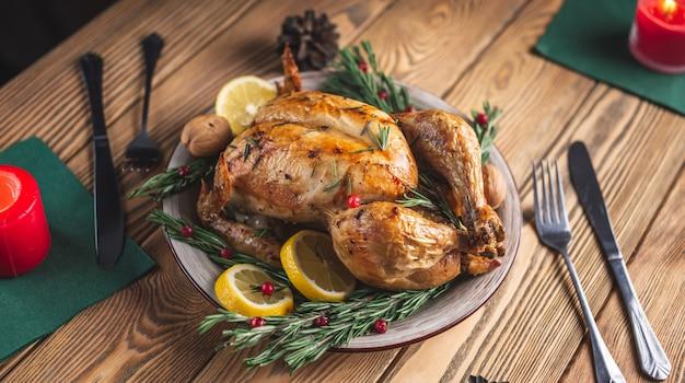 Krokant gebakken kip met rozemarijn