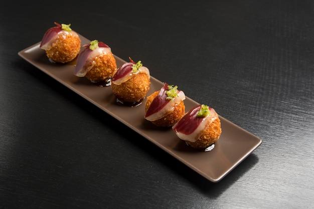 Kroket bord met iberische ham