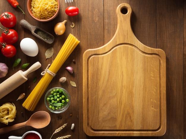 Kruid en kruid op houten textuur
