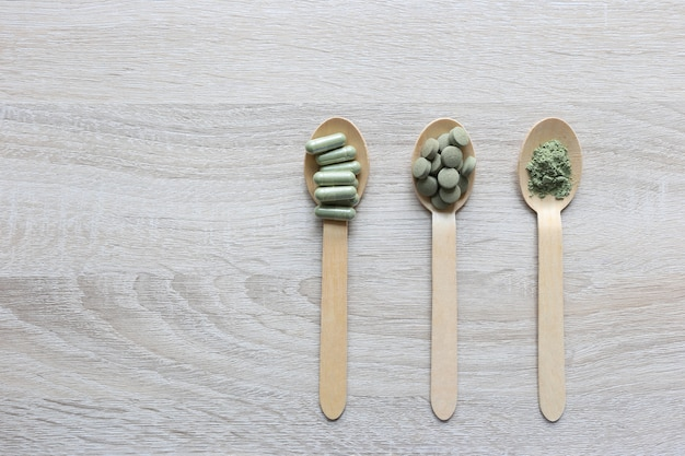 Kruidenextract geneeskunde tabletten pillen met capsules en poeder of fa thalai chon