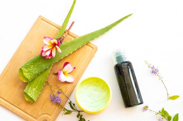 Kruidenshampoo, weekcrème behandeling aroma gezondheidszorg voor hoofd en haren van aloë vera