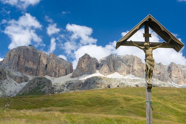 Kruisbeeld in de weilanden