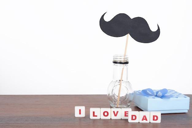 Kubussen met letters voor vaderdag