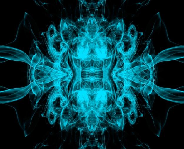 Kunst van mooie blauwe rooksamenvatting op zwarte achtergrond