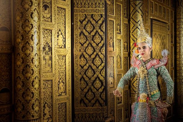 Kunstcultuur thailand dansen in gemaskerde khon benjakaj en hanuman in literatuur amayana, thailand cultuur khon, thailand