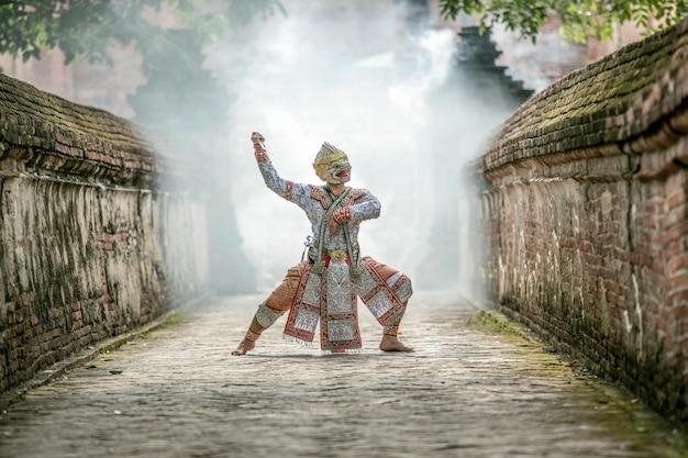 Kunstcultuur thailand dansend in gemaskeerde khon in literatuurramayana, de cultuur van thailand, khon, de traditionele cultuur van thailand, thailand