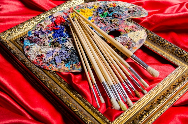 Kunstenaarspalet in kunstconcept