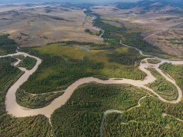 Kurai steppe en chuya rivier