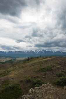 Kurai steppe en noord-chui bergkam