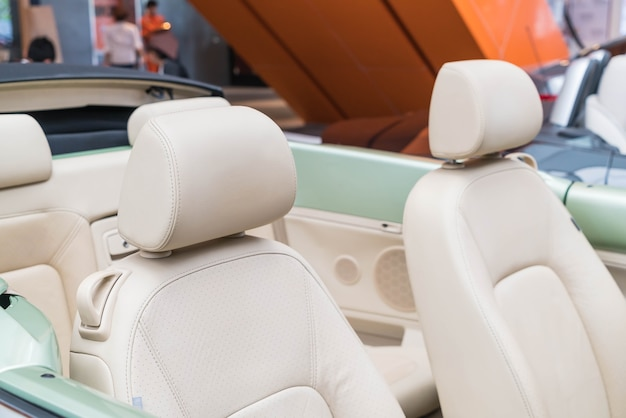 Kussen van moderne auto