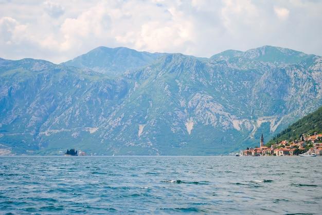 Kuststad van perast in schilderachtige montenegro.