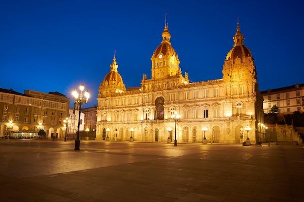 La coruna stadhuis in maria pita square galicië