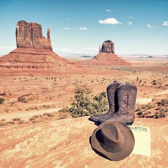Laarzen en hoed in monument valley, vs.