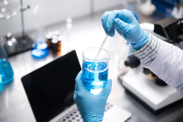 Laboratoriumglaswerk voor de ontwikkeling van medische innovatie