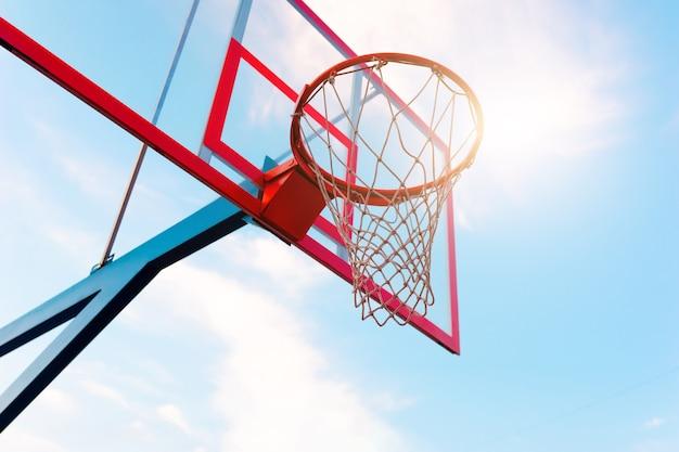 Lage hoek basketbalring